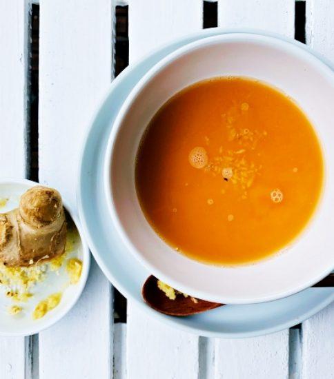 生姜トッピングでカラダ温める慈愛味に・人参と甘酒の橙のみそポタ