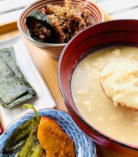 ゆし豆腐入りスープ・豆乳と大豆の白いみそポタ