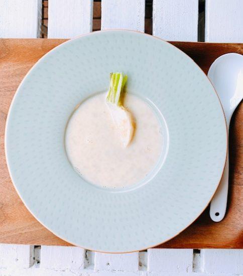 カブ入り優しいスープ・豆乳と大豆の白いみそポタ